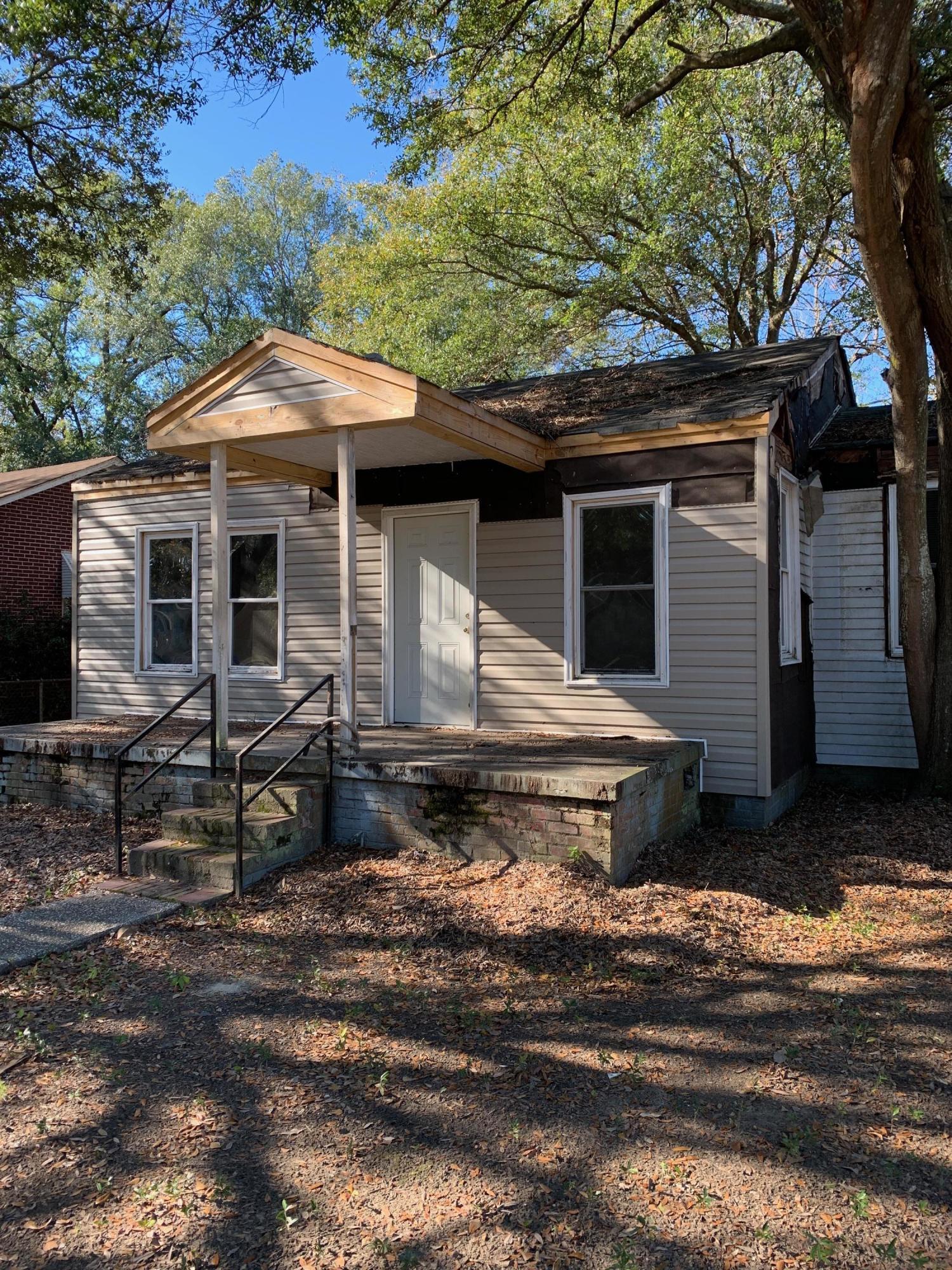 2712 E Surrey Drive North Charleston, Sc 29405