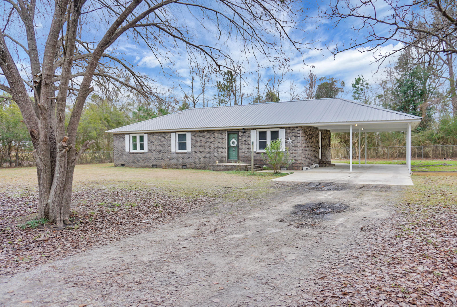 1339 Schurlknight Road Saint Stephen, SC 29479