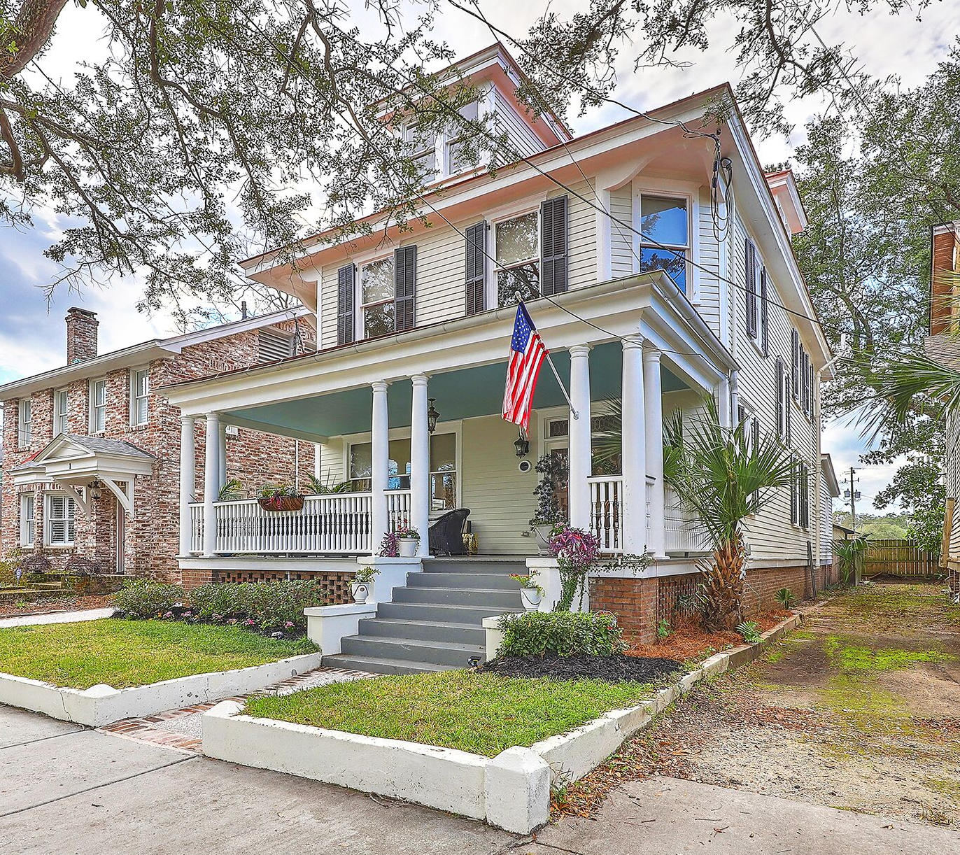 3 Elmwood Avenue Charleston, SC 29403
