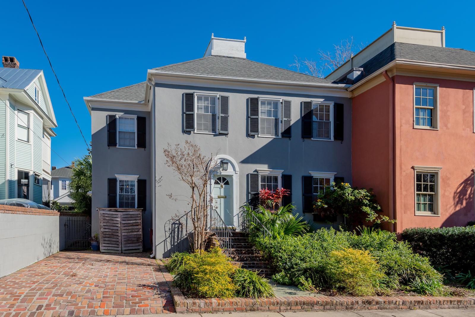 2 1/2 Colonial Street Charleston, SC 29401