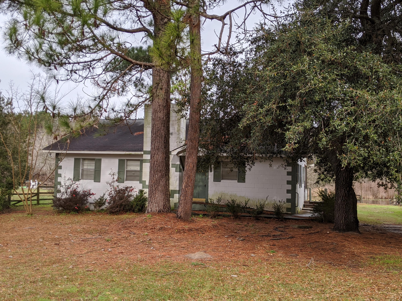 440 Fountain Lake Drive Eutawville, SC 29048