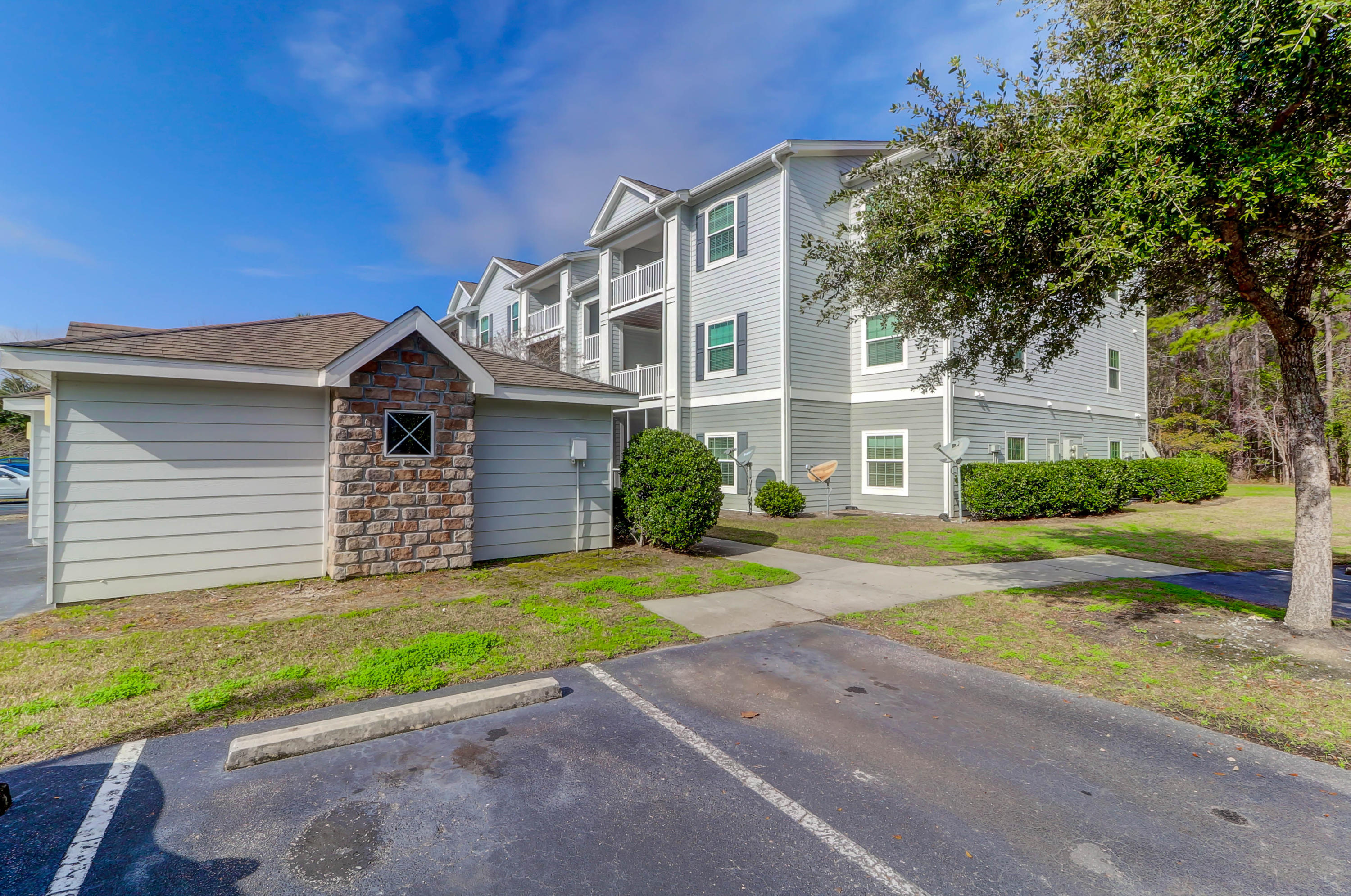 1300 Park West Boulevard UNIT #815 Mount Pleasant, SC 29466