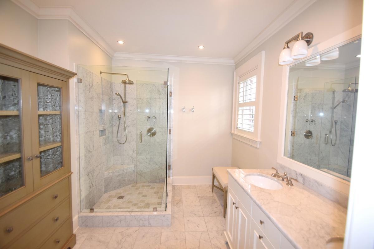 One Vendue Range Homes For Sale - 32 Prioleau, Charleston, SC - 9