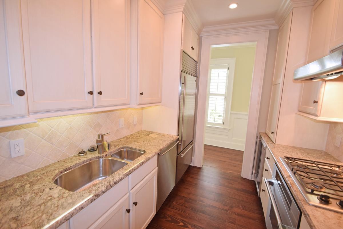 One Vendue Range Homes For Sale - 32 Prioleau, Charleston, SC - 8