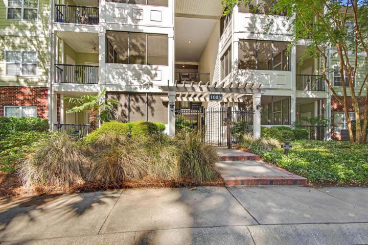 1025 #124 Riverland Woods Place Charleston, SC 29412