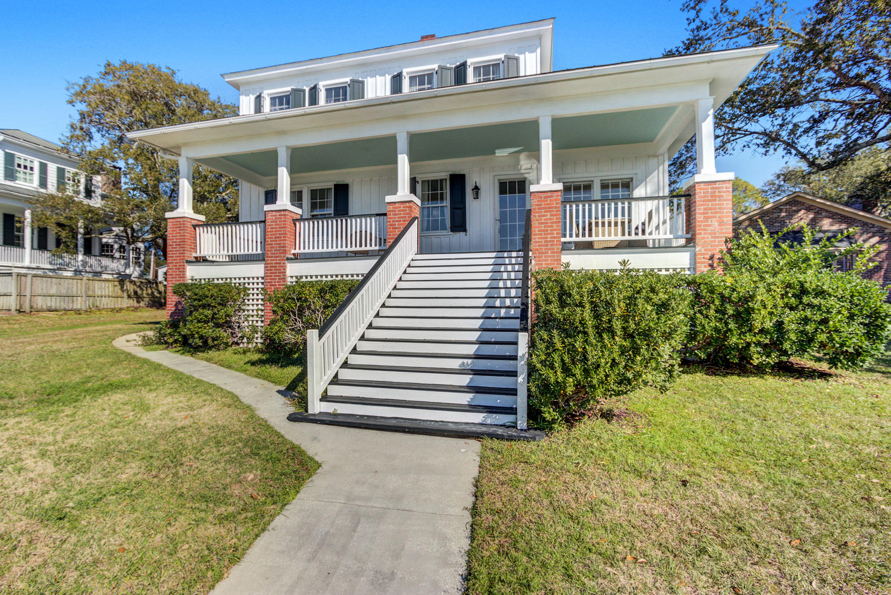 213 King Street Mount Pleasant, SC 29464