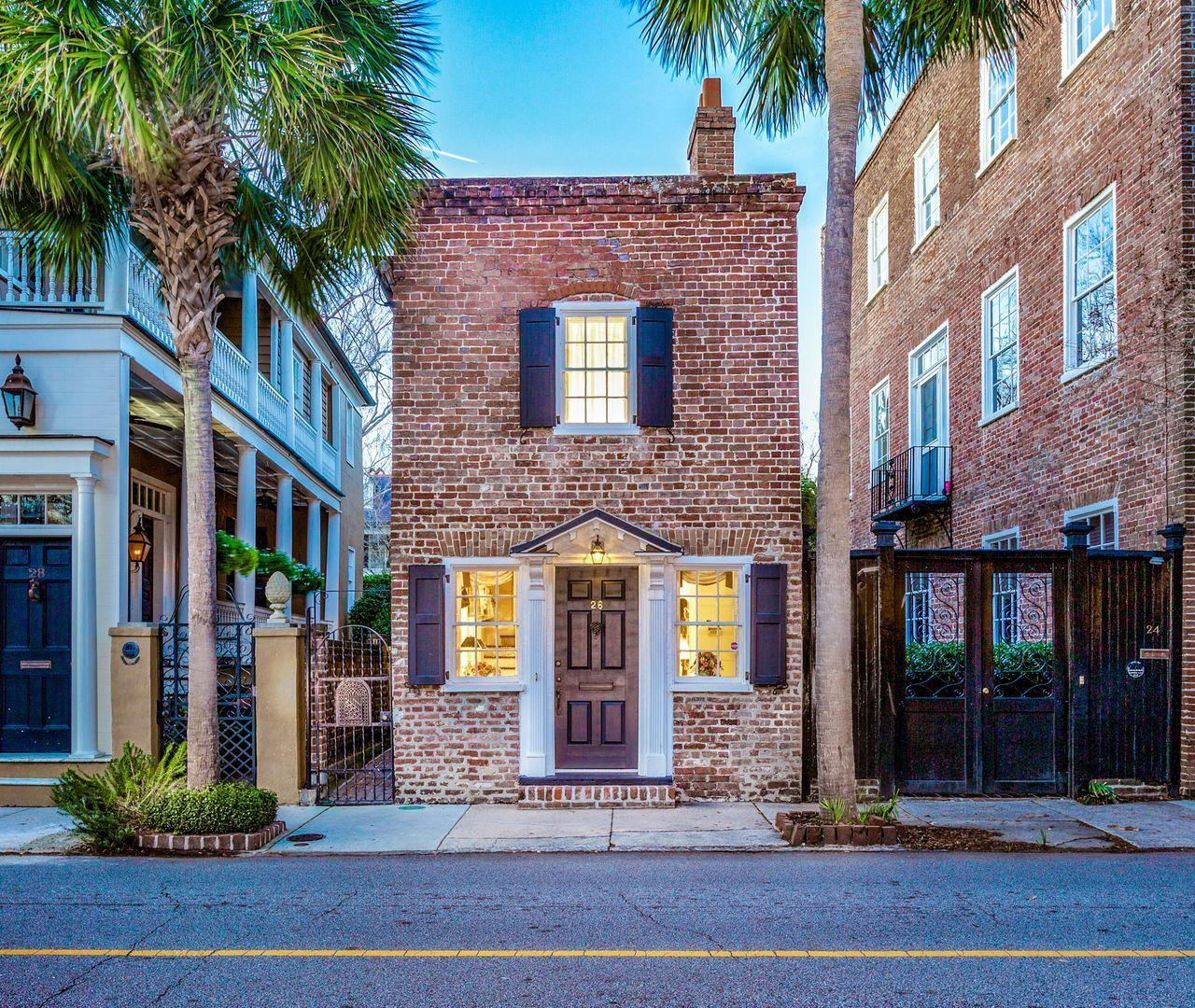 26 Wentworth Street Charleston, SC 29401