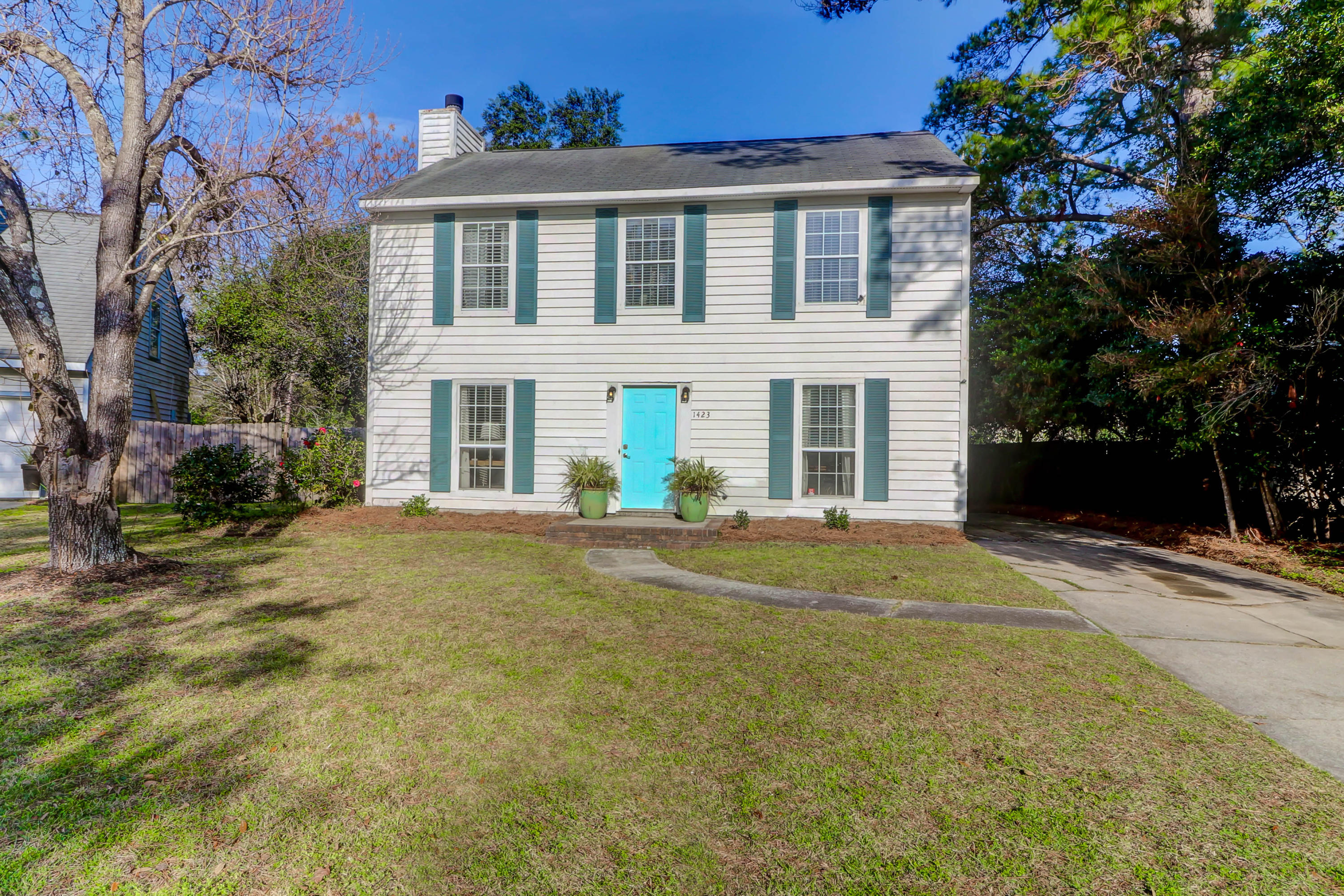 1423 Oaklanding Road Mount Pleasant, Sc 29464