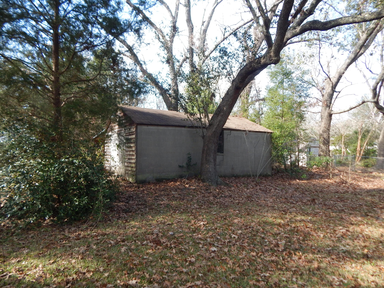 28 Riverdale Drive Charleston, SC 29407