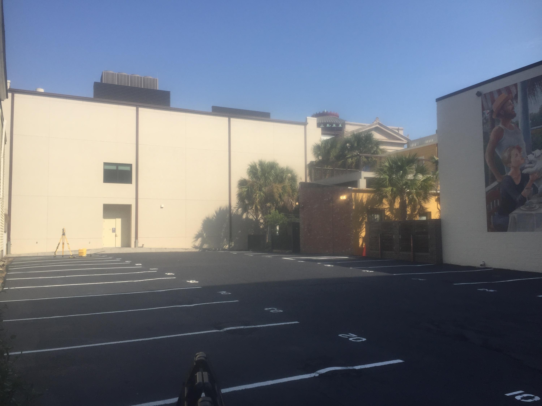 70 Queen Street UNIT Space 8 Charleston, SC 29401