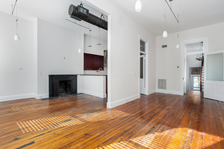 40 B Broad Street Charleston, SC 29401