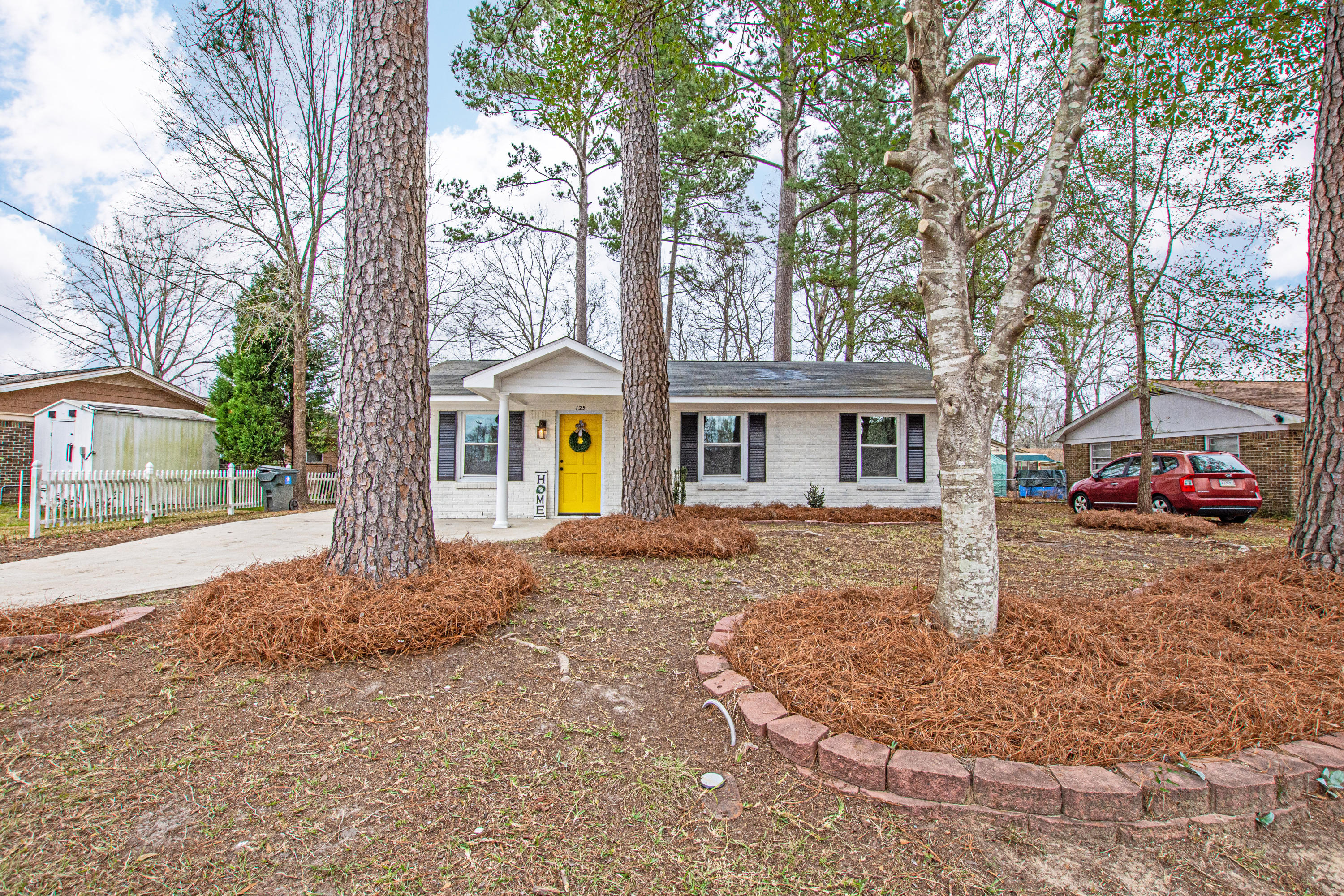 125 Millburn Avenue Goose Creek, SC 29445