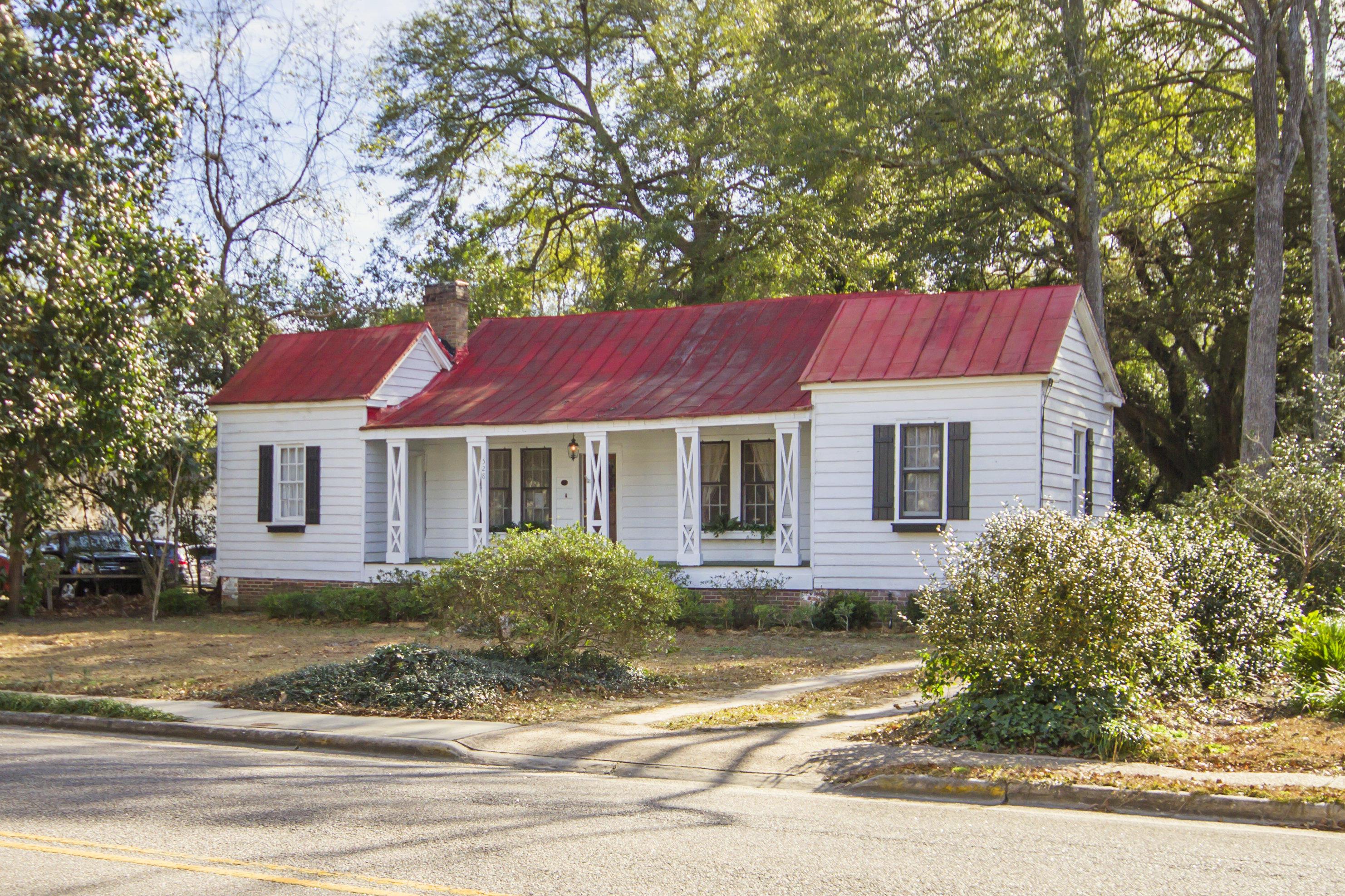 528 Hampton Street Walterboro, Sc 29488