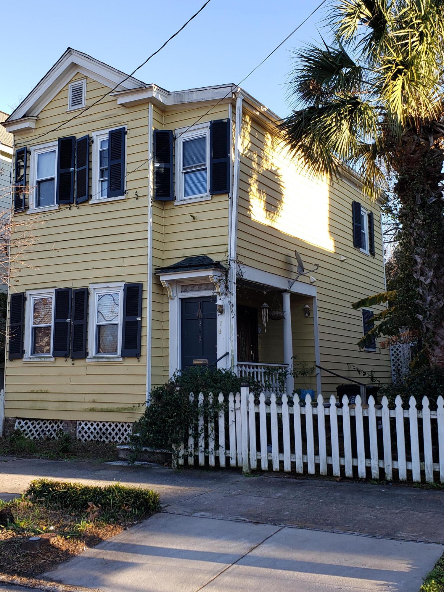 219 Fishburne Street Charleston, SC 29403