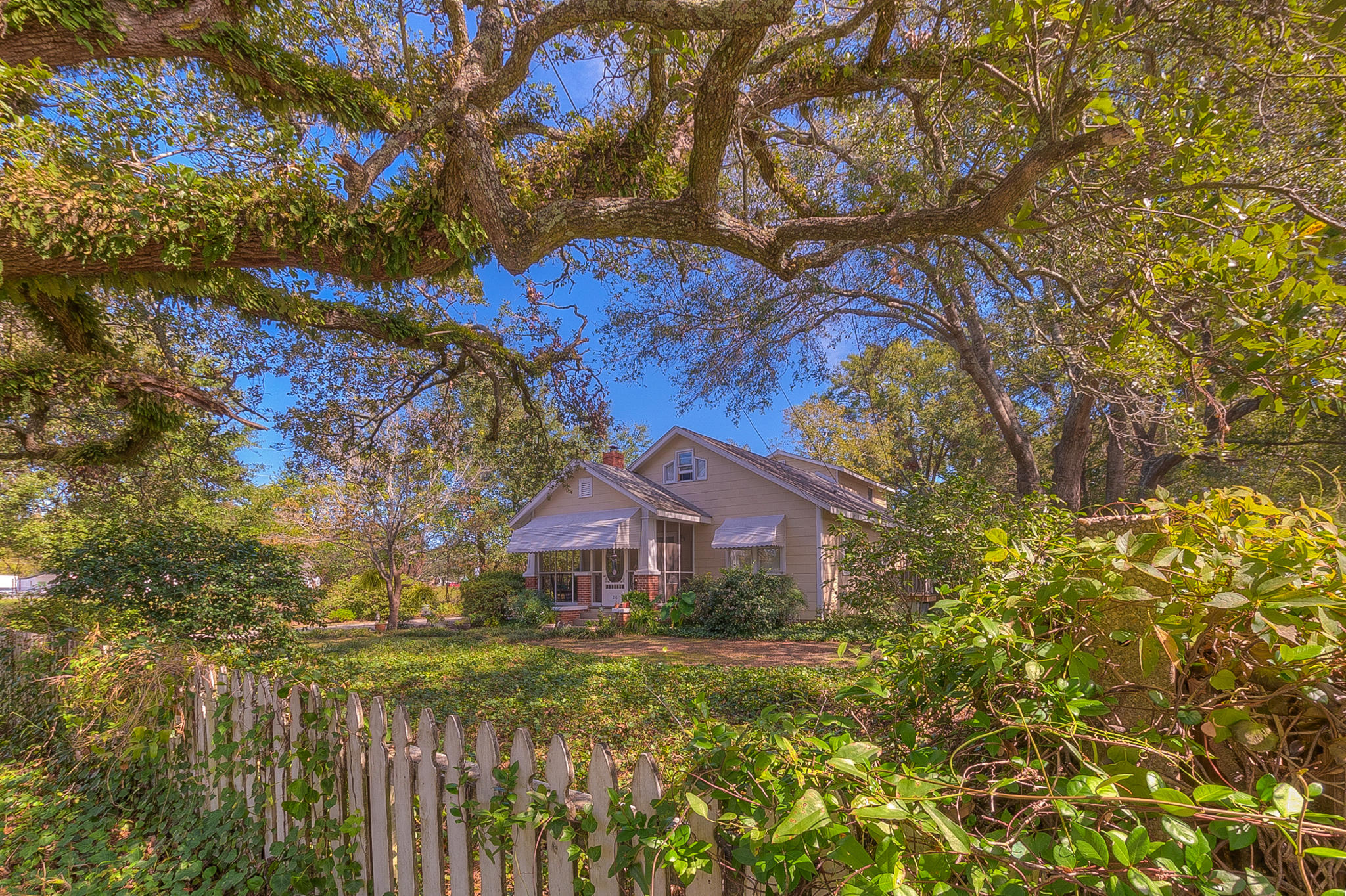 216 Woodland Shores Road Charleston, Sc 29412