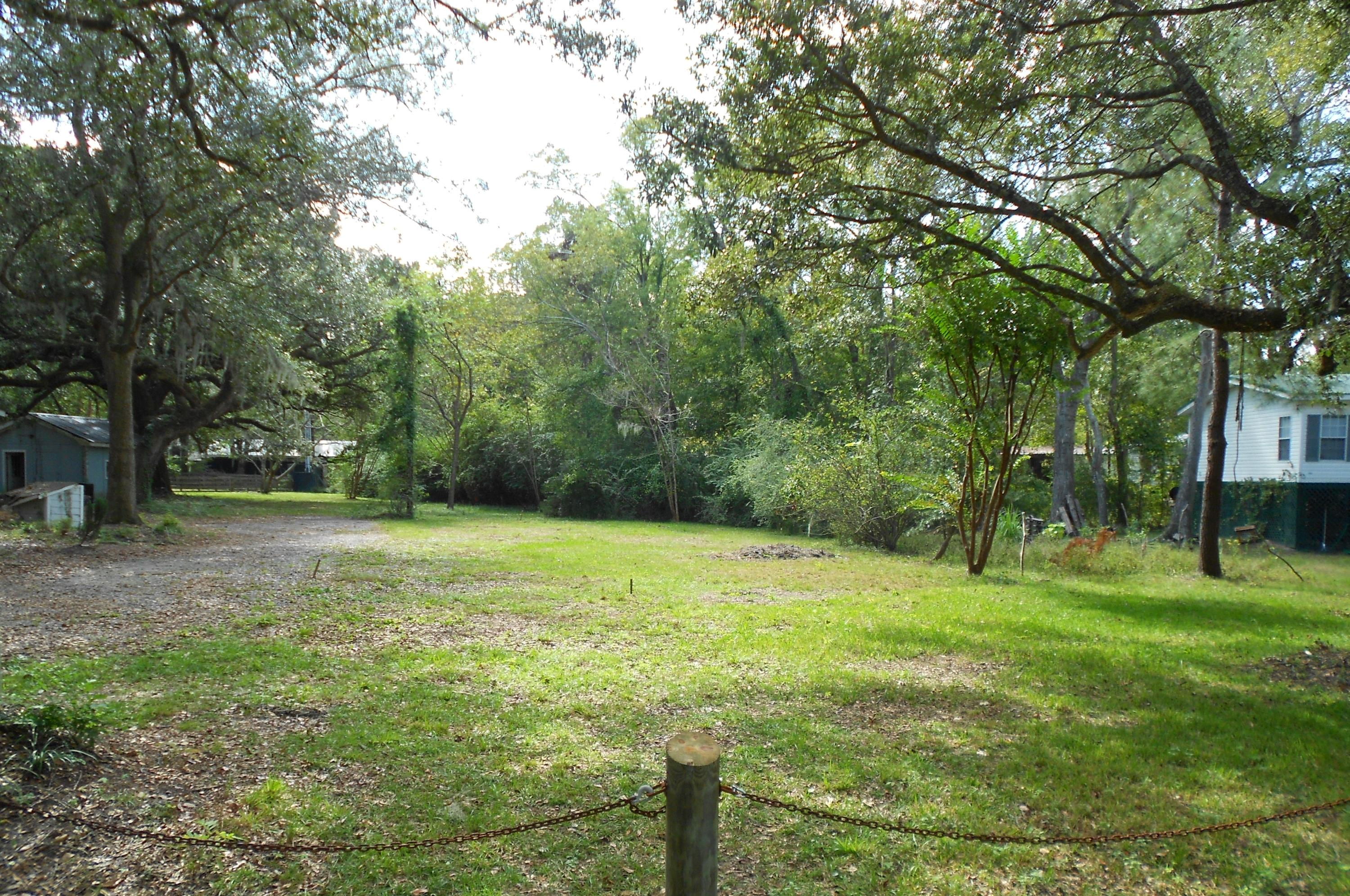 1325 Lieben Road Mount Pleasant, SC 29466