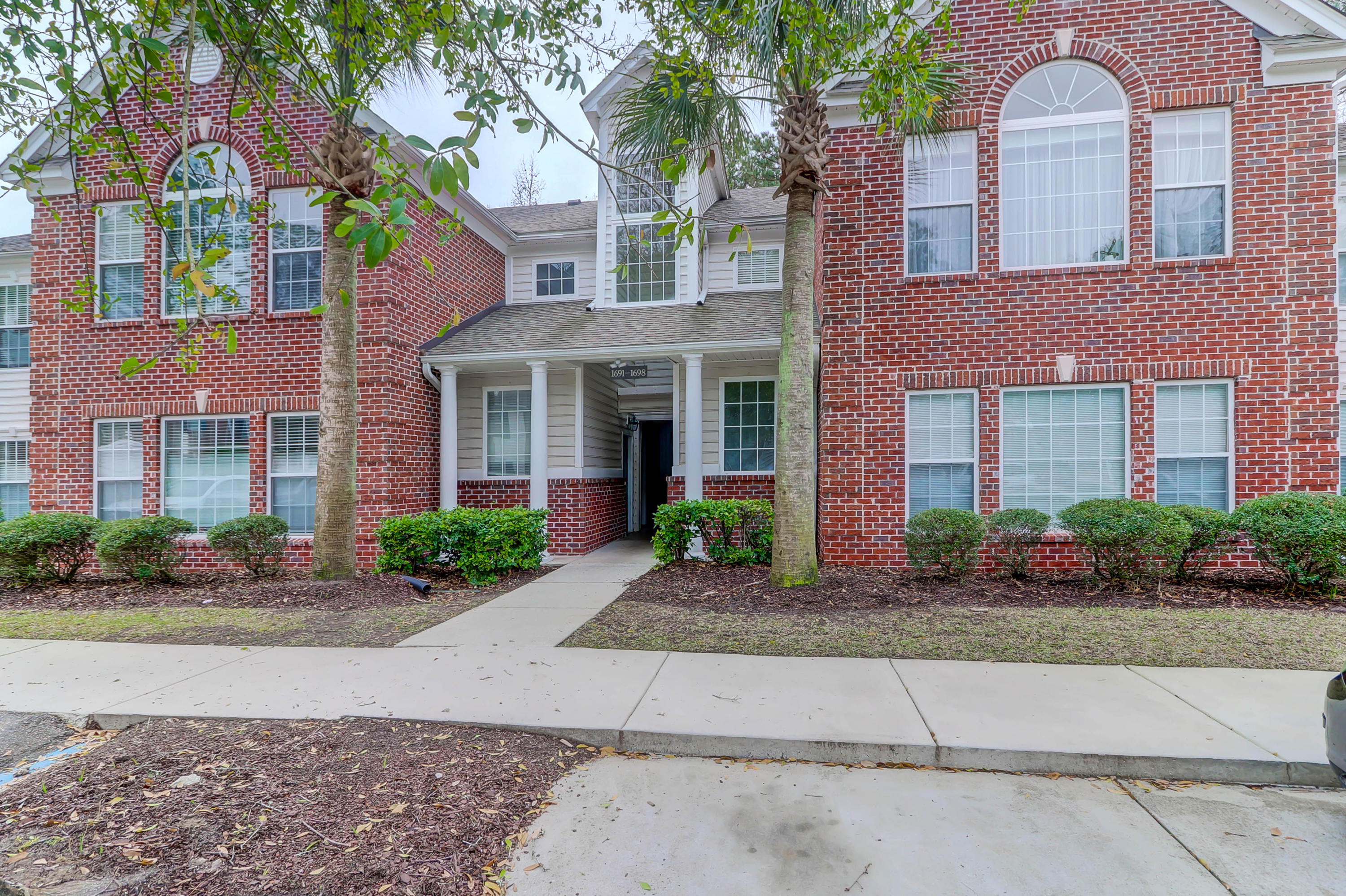 1697 Camfield Lane Mount Pleasant, SC 29466