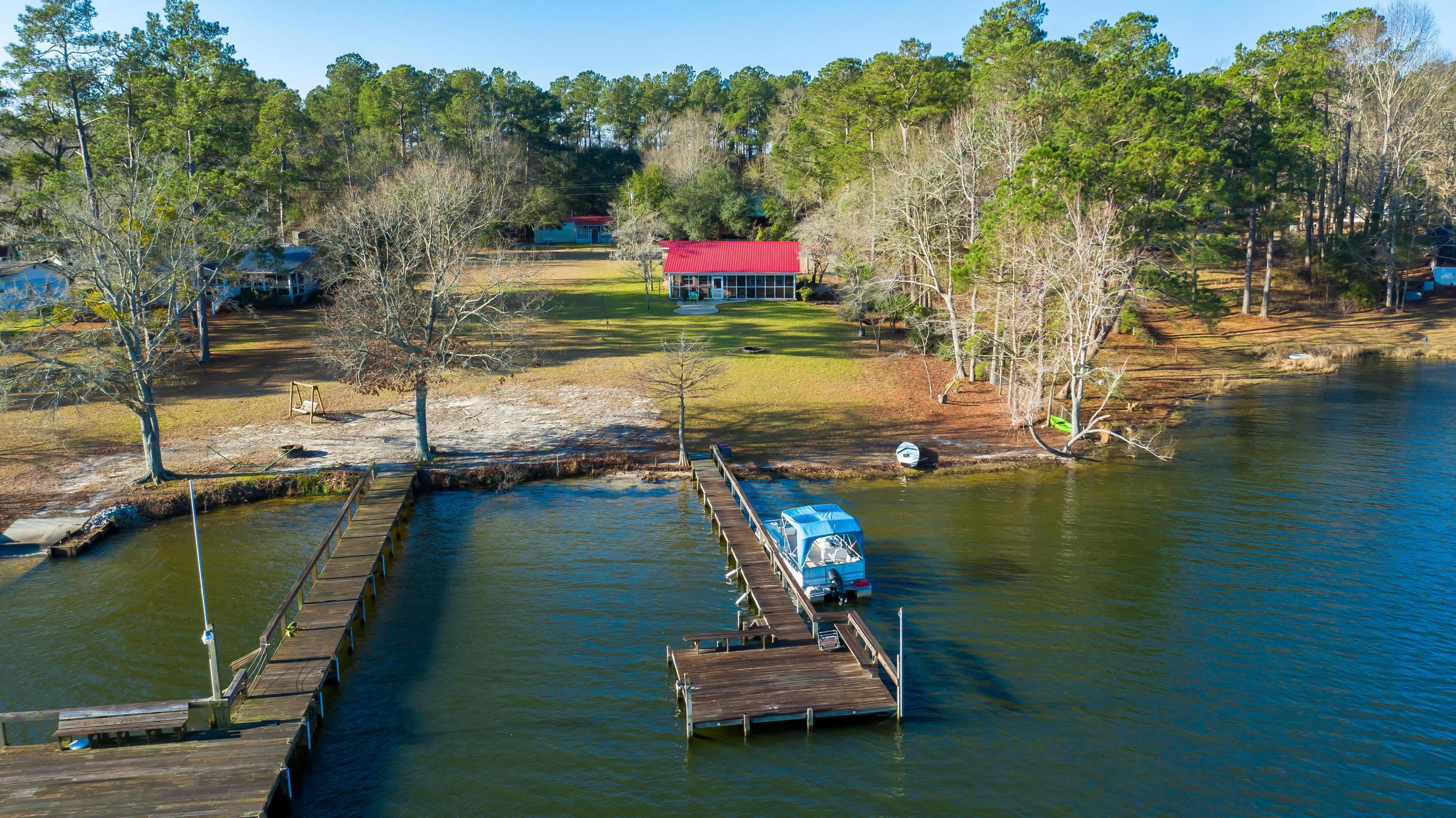 1495 Clubhouse Road Manning, SC 29102