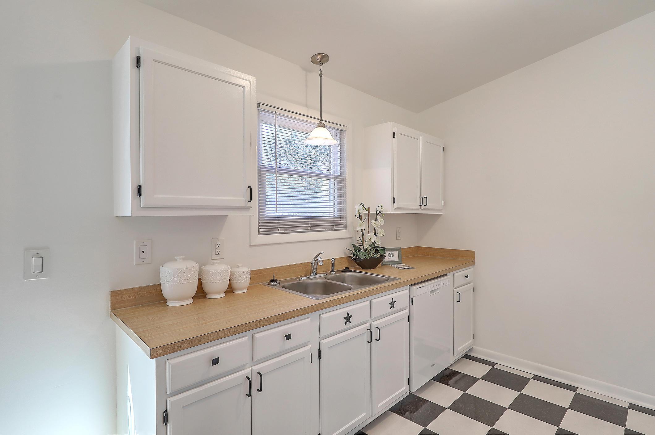Oakland Homes For Sale - 281 Shore, Charleston, SC - 10