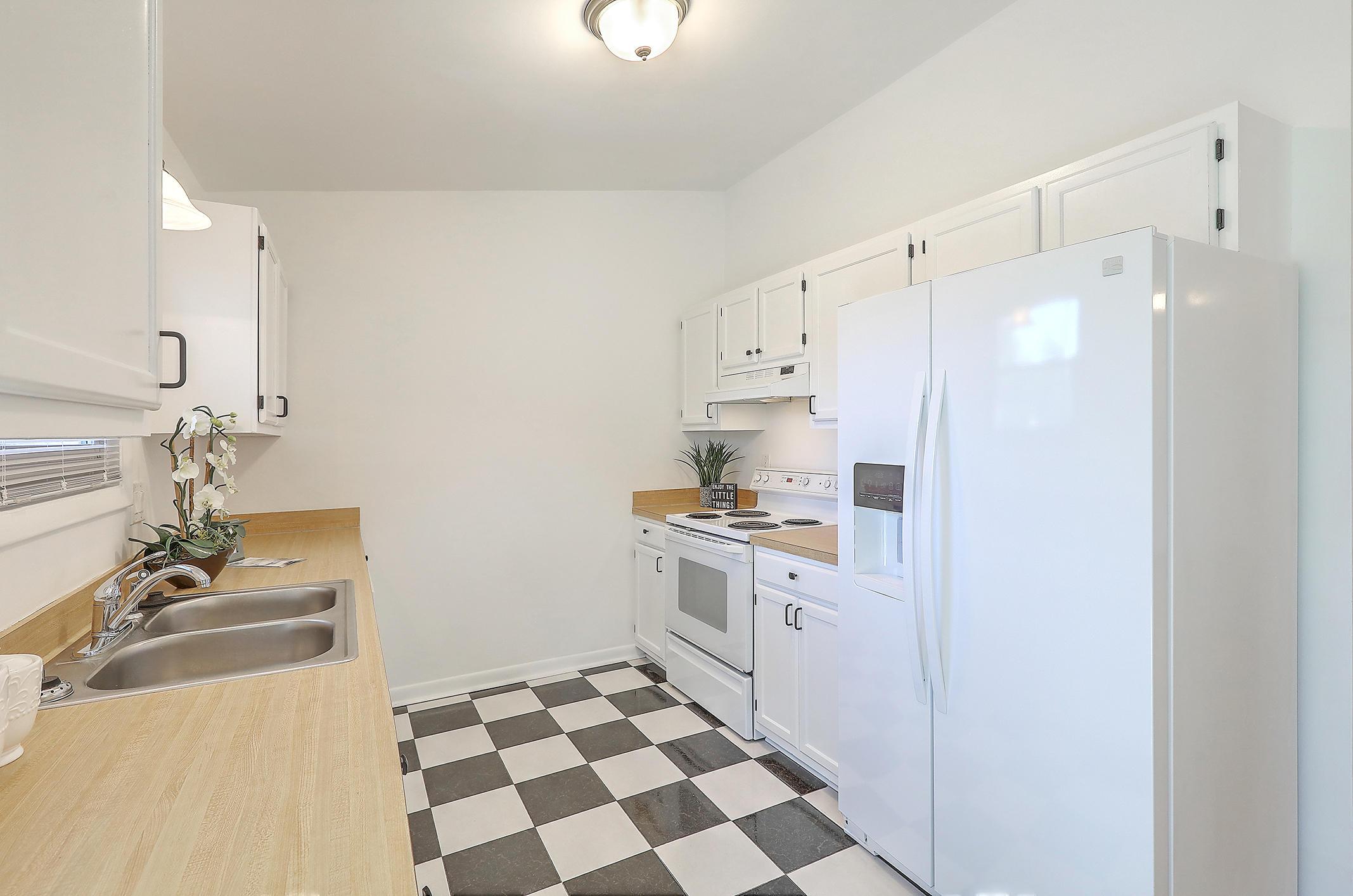 Oakland Homes For Sale - 281 Shore, Charleston, SC - 11