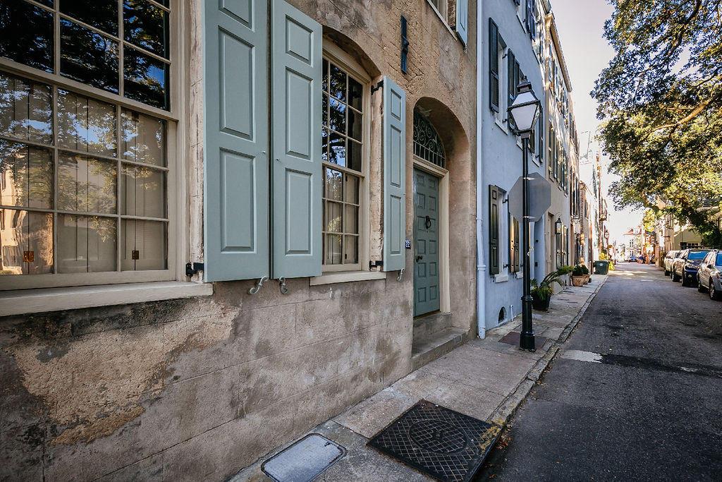 22 Elliott Street Charleston, SC 29401
