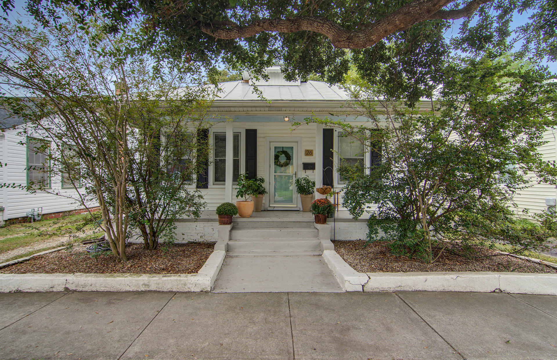 26 Gordon Street Charleston, SC 29403
