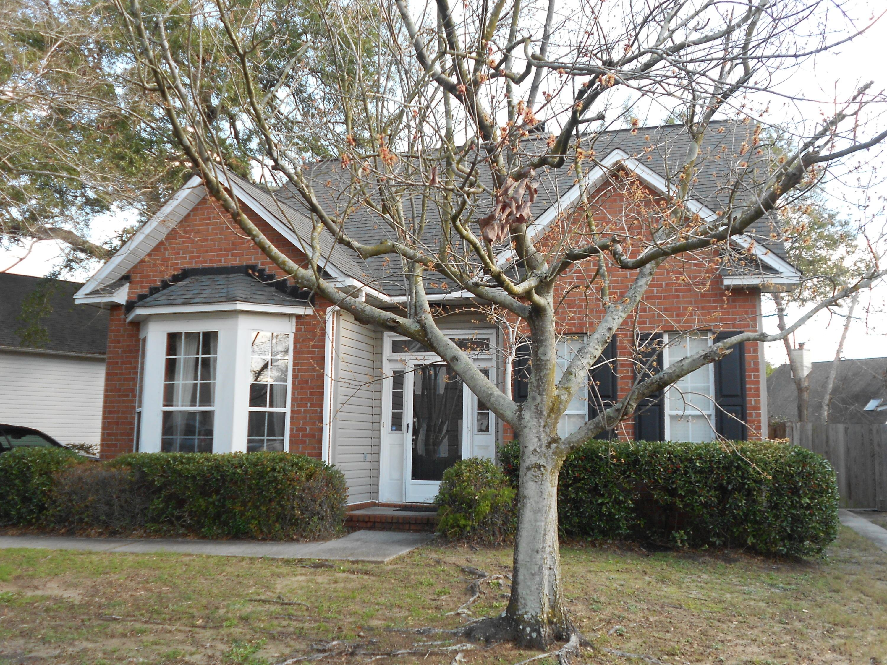 939 Provincial Circle Mount Pleasant, SC 29464