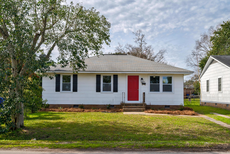 3835 Hottinger Avenue North Charleston, SC 29405