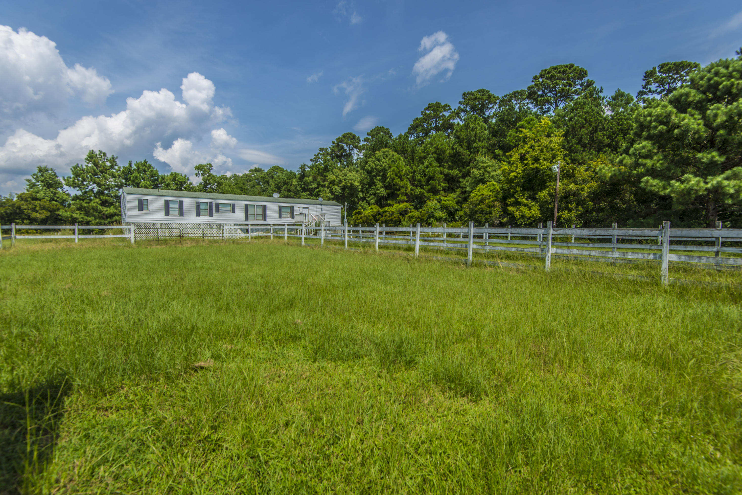 7796 White Point Road Hollywood, SC 29449