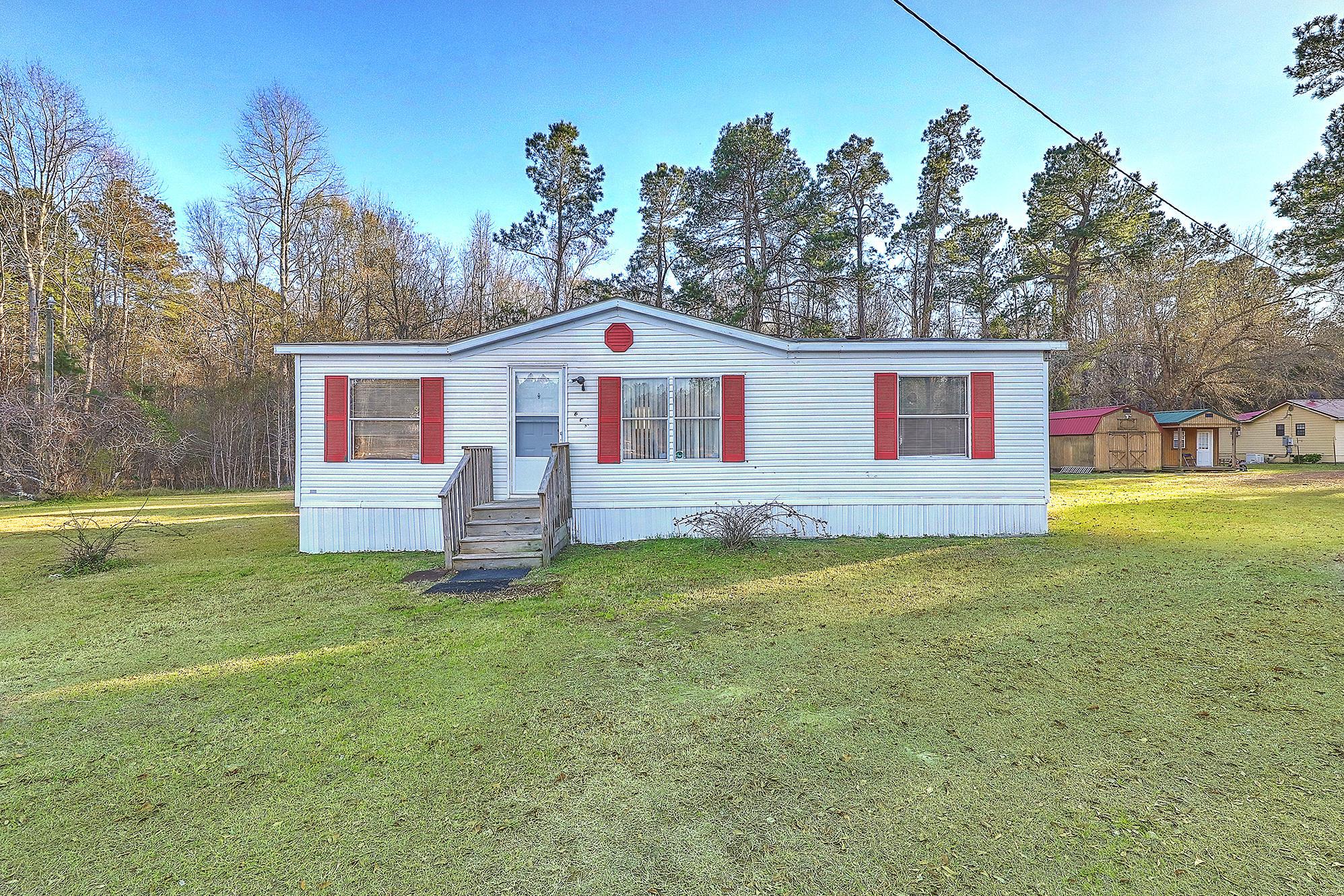 609 Sprouts Lane Bonneau, SC 29431