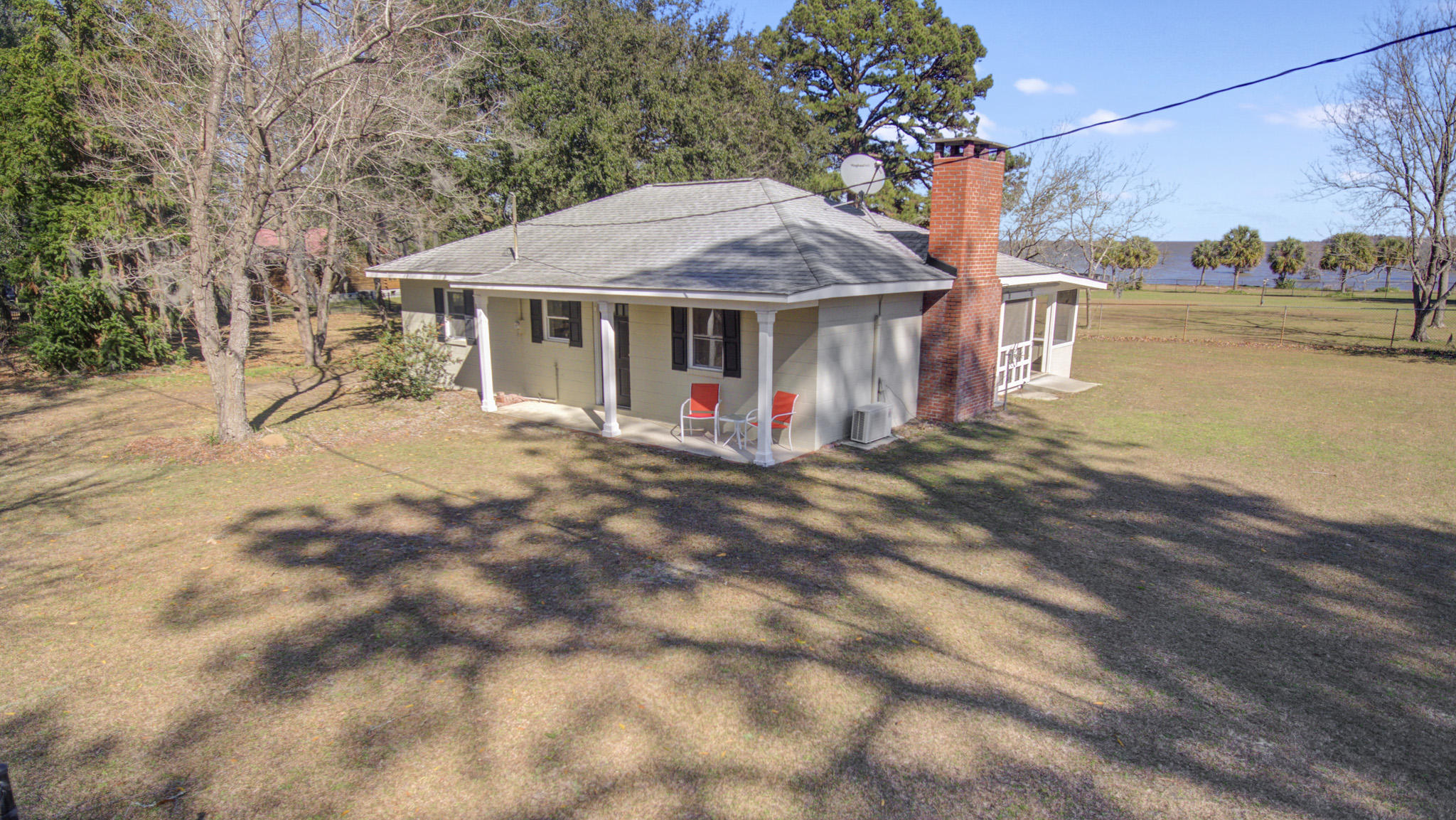 878 Miracle Drive Eutawville, SC 29048