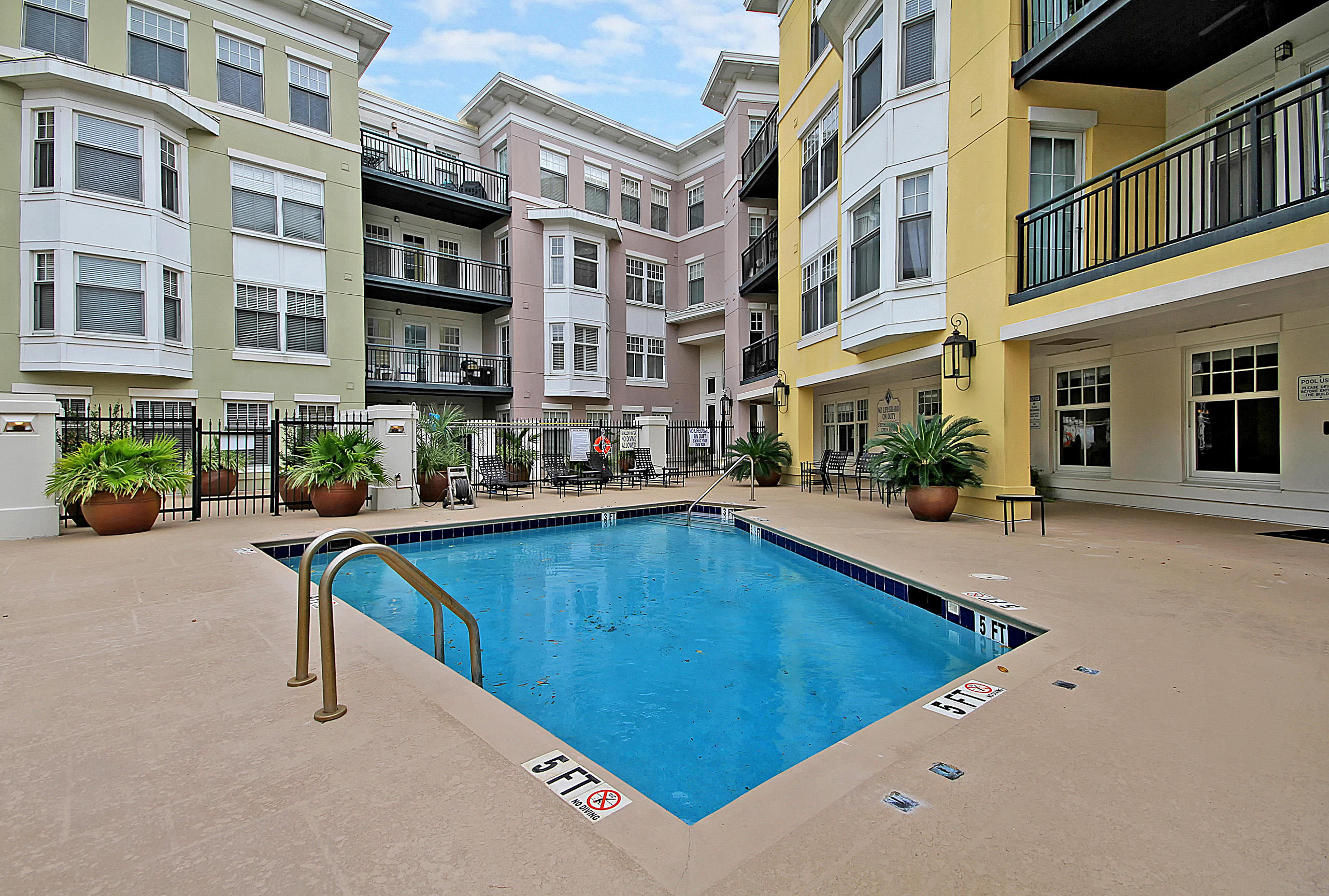 498 Albemarle Road UNIT 410 Charleston, SC 29407