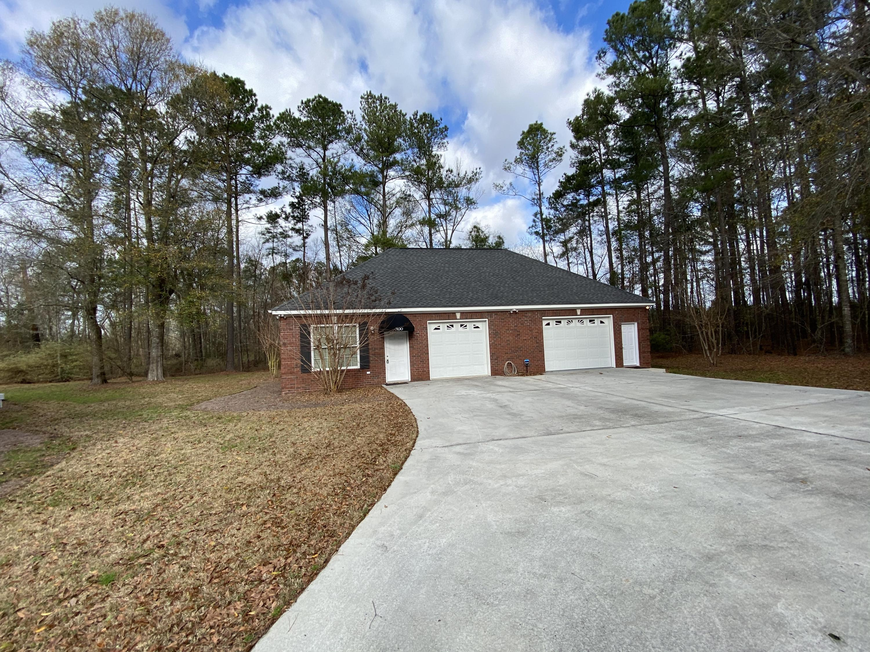 300 Country Club Boulevard Saint George, SC 29477
