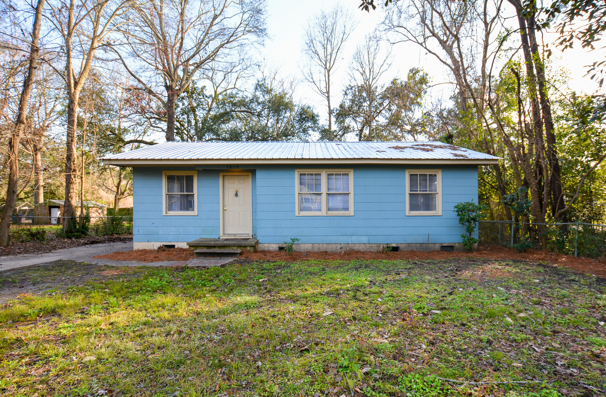 1217 Nowell Avenue North Charleston, SC 29406