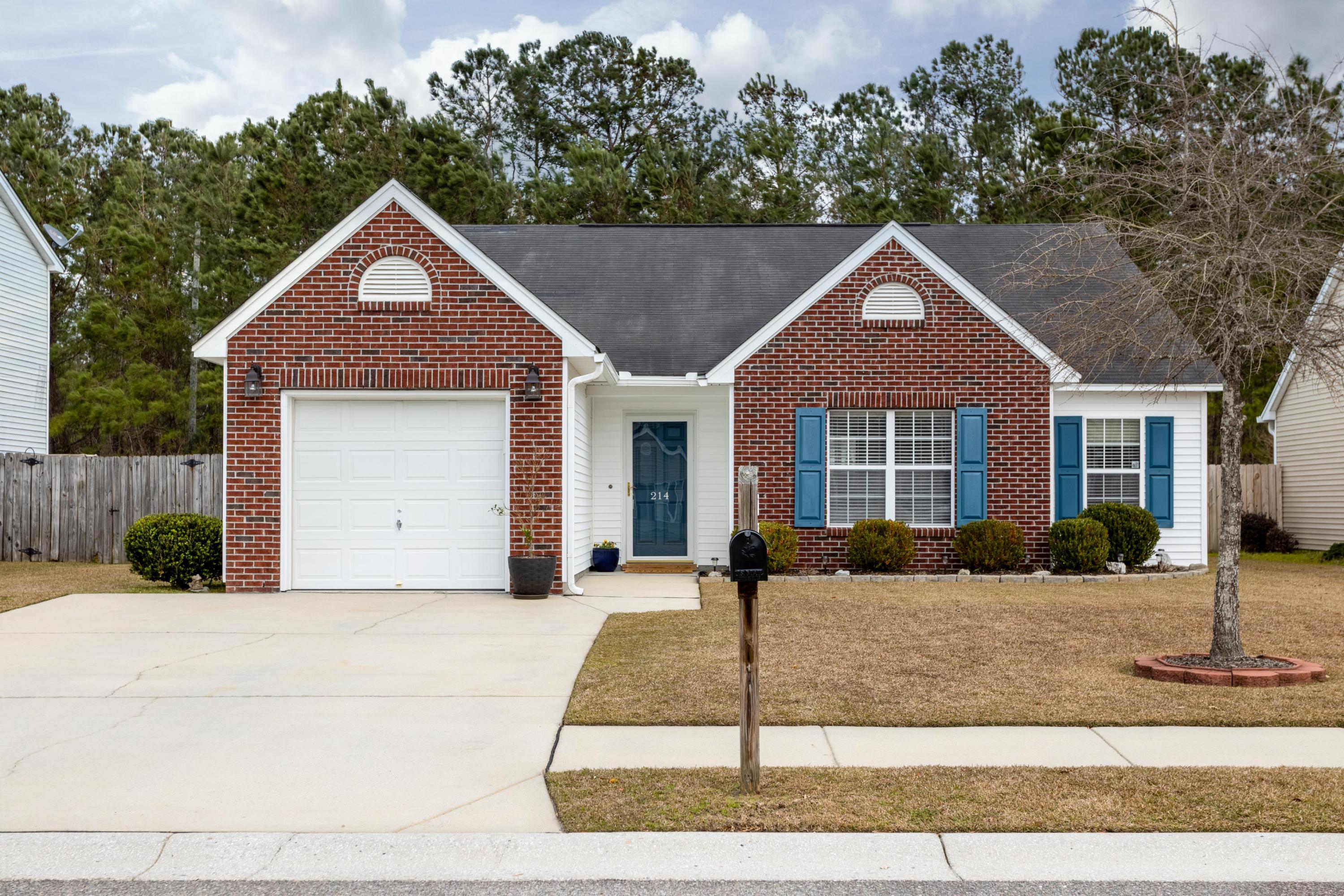 214 Dovetail Circle Summerville, Sc 29483
