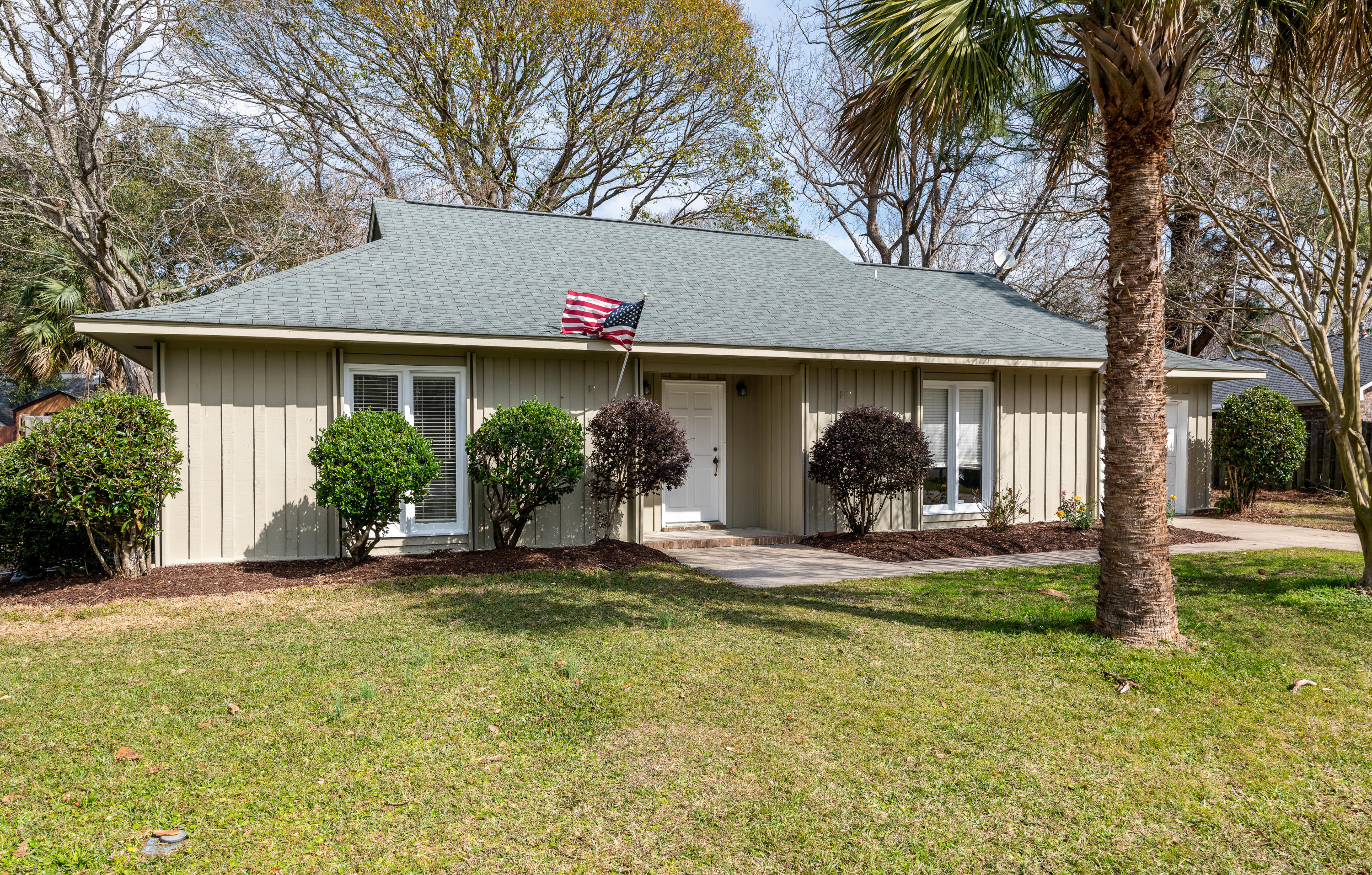 824 Farnham Road Charleston, SC 29412