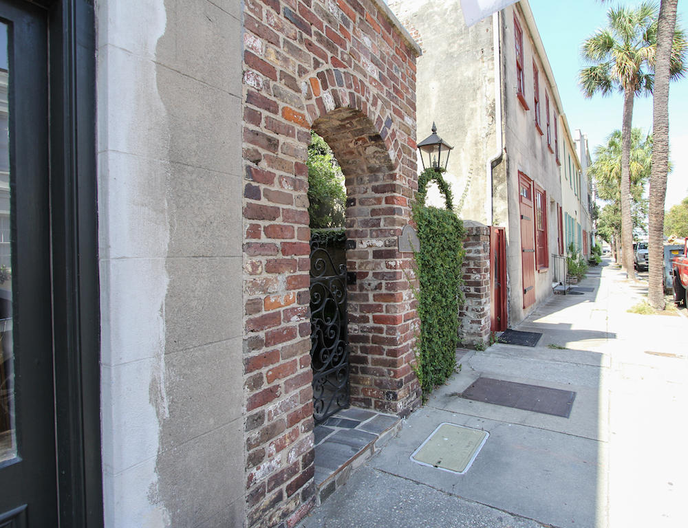 French Quarter Homes For Sale - 29 1/2 State, Charleston, SC - 1