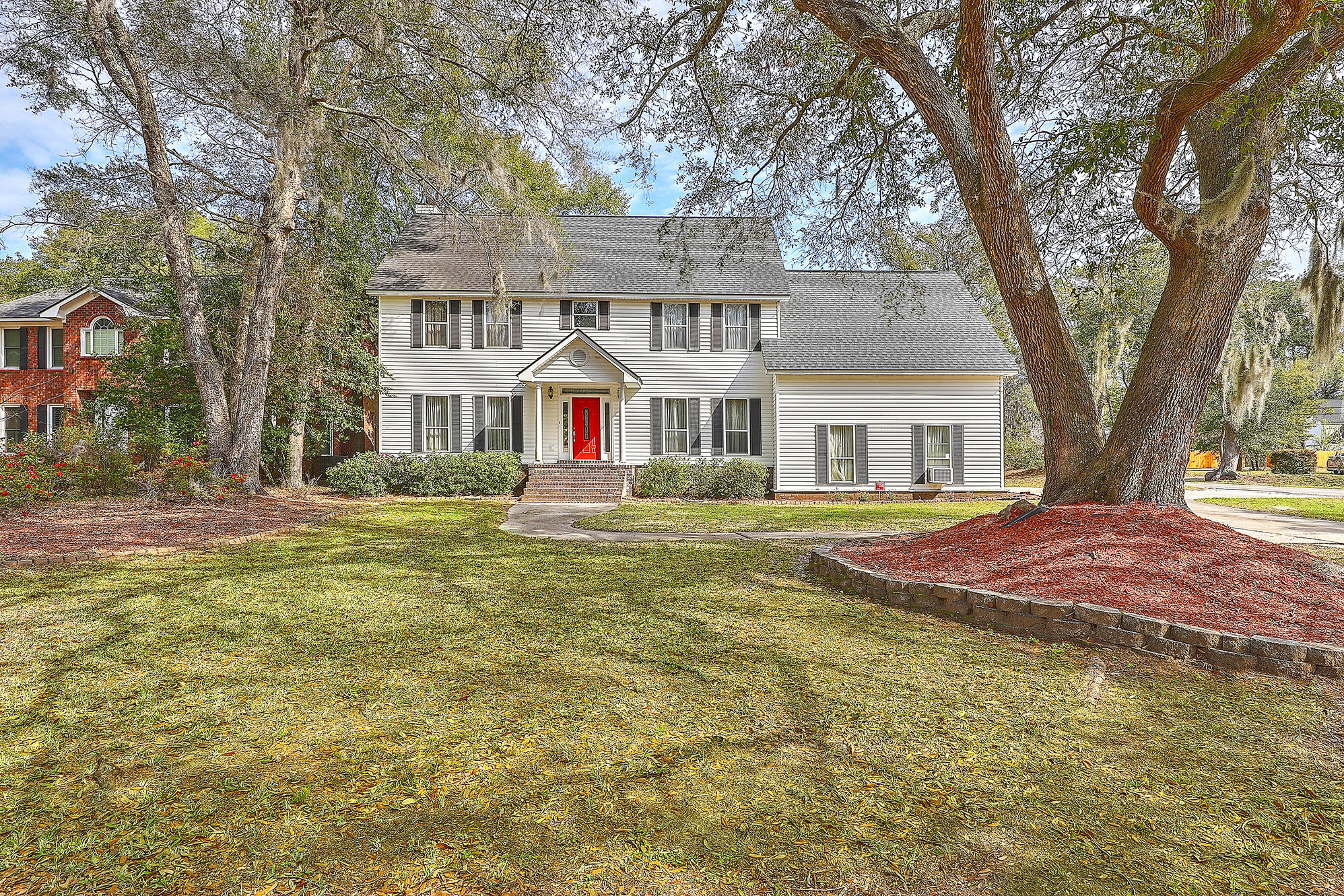 742 Knotty Pine Road Charleston, SC 29412