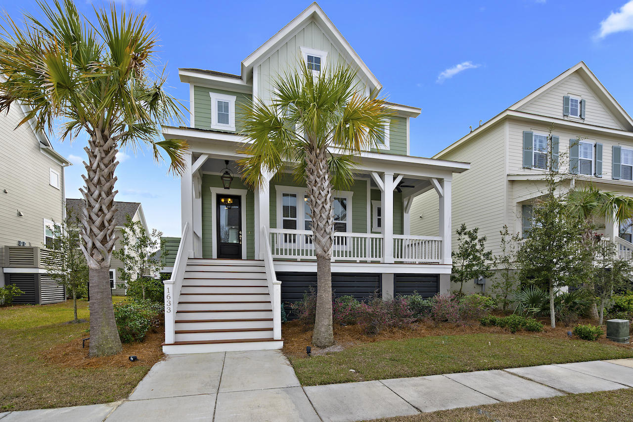 1633 Oak Leaf Street Charleston, SC 29492