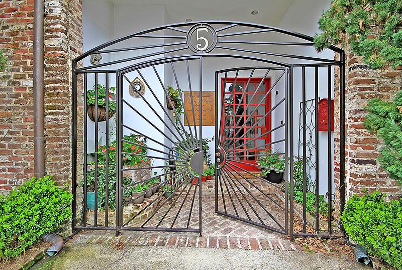 5 Motley Lane Charleston, SC 29401