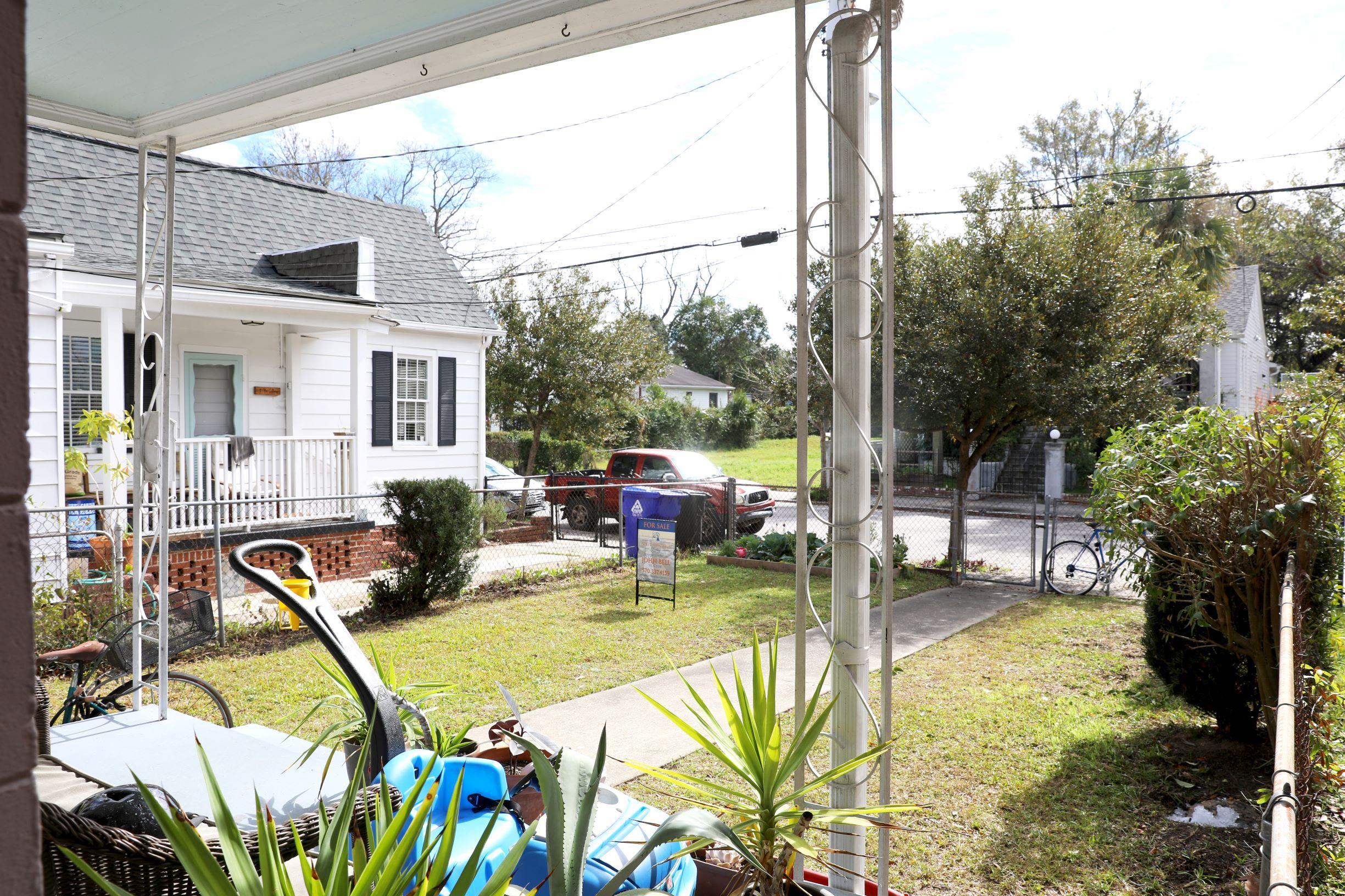 398 Race Street Charleston, SC 29403