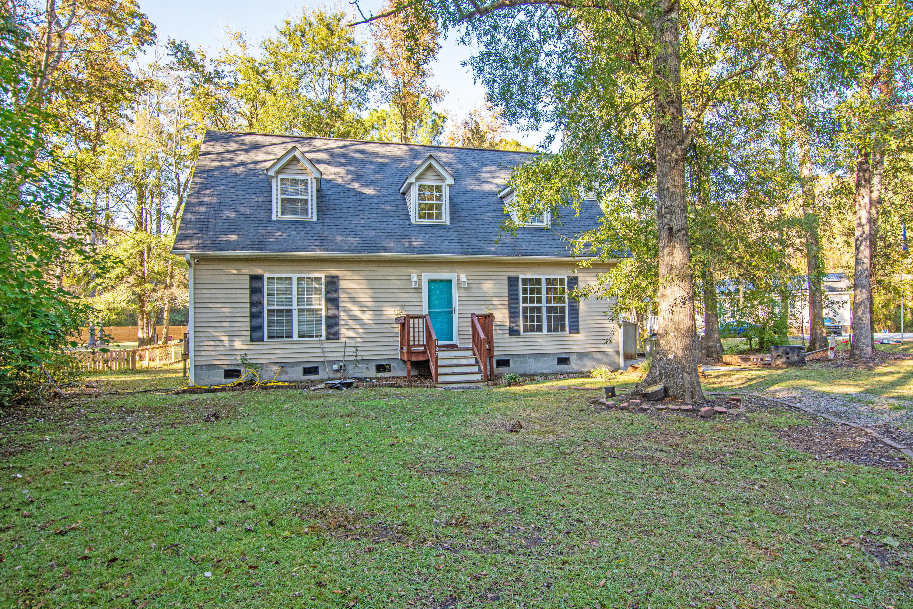 107 Sycamore Drive Summerville, SC 29485