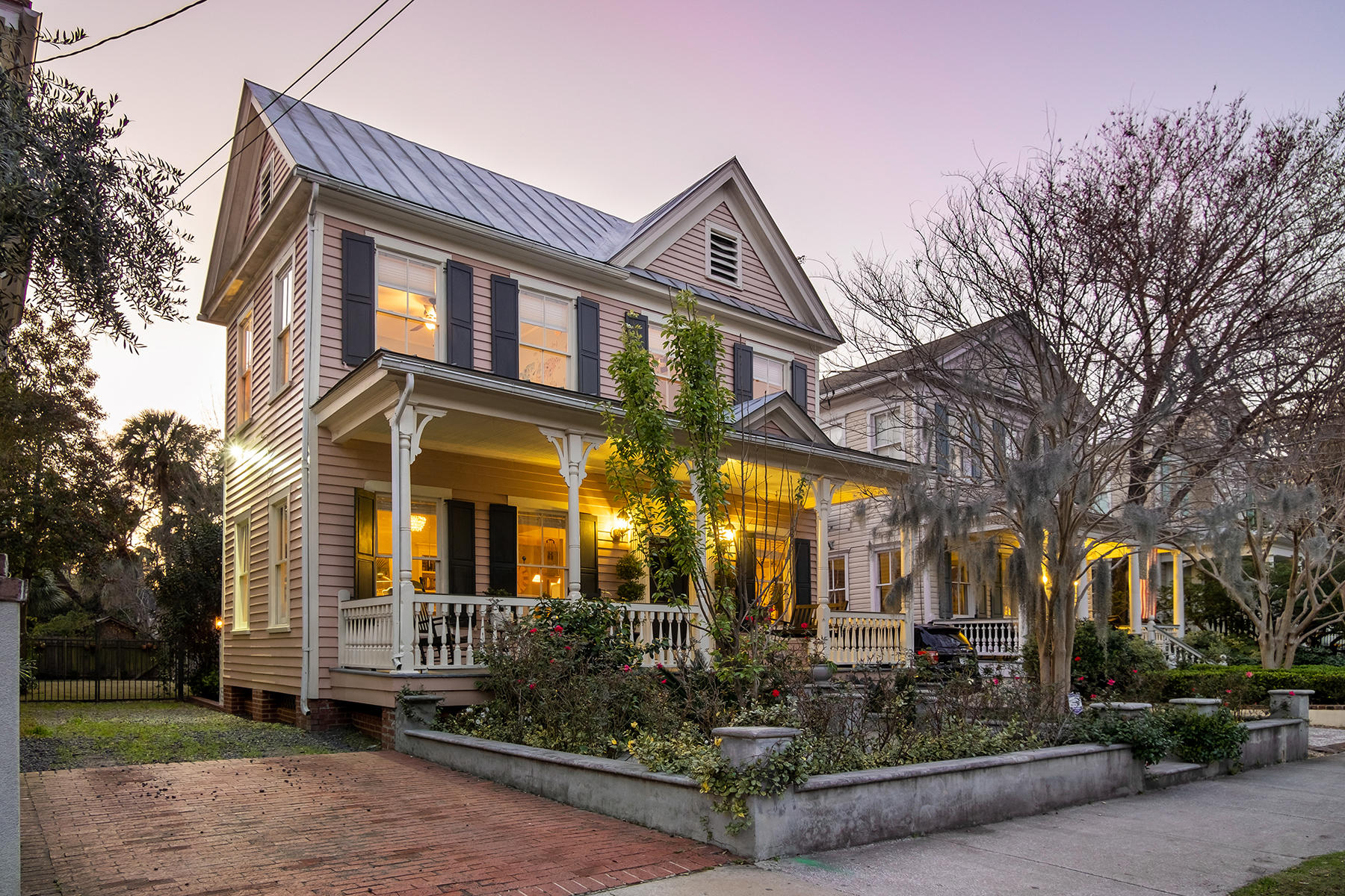 129 Ashley Avenue Charleston, SC 29401