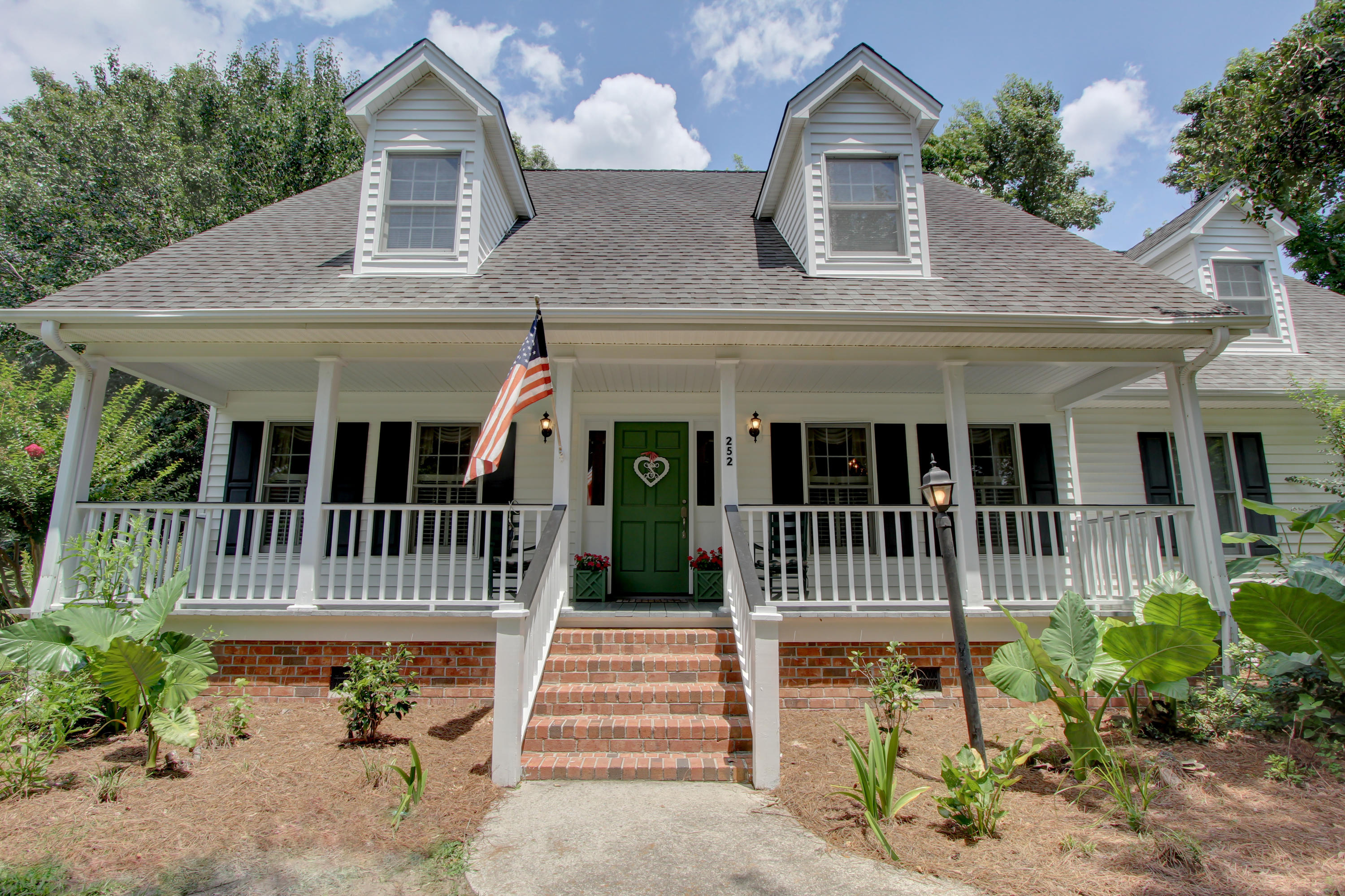 252 Beech Hill Lane Mount Pleasant, SC 29464