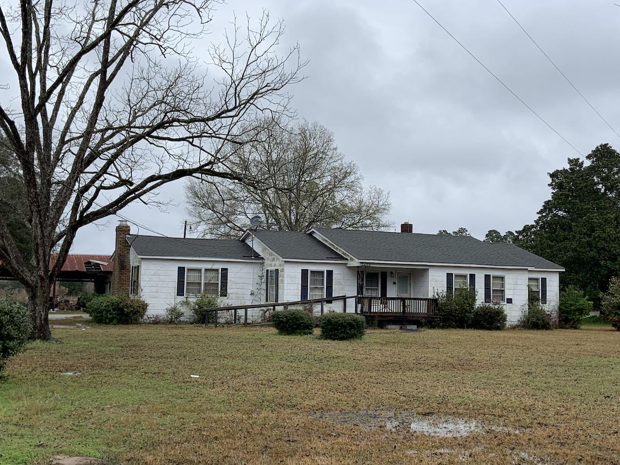 5286 State Road Holly Hill, SC 29059