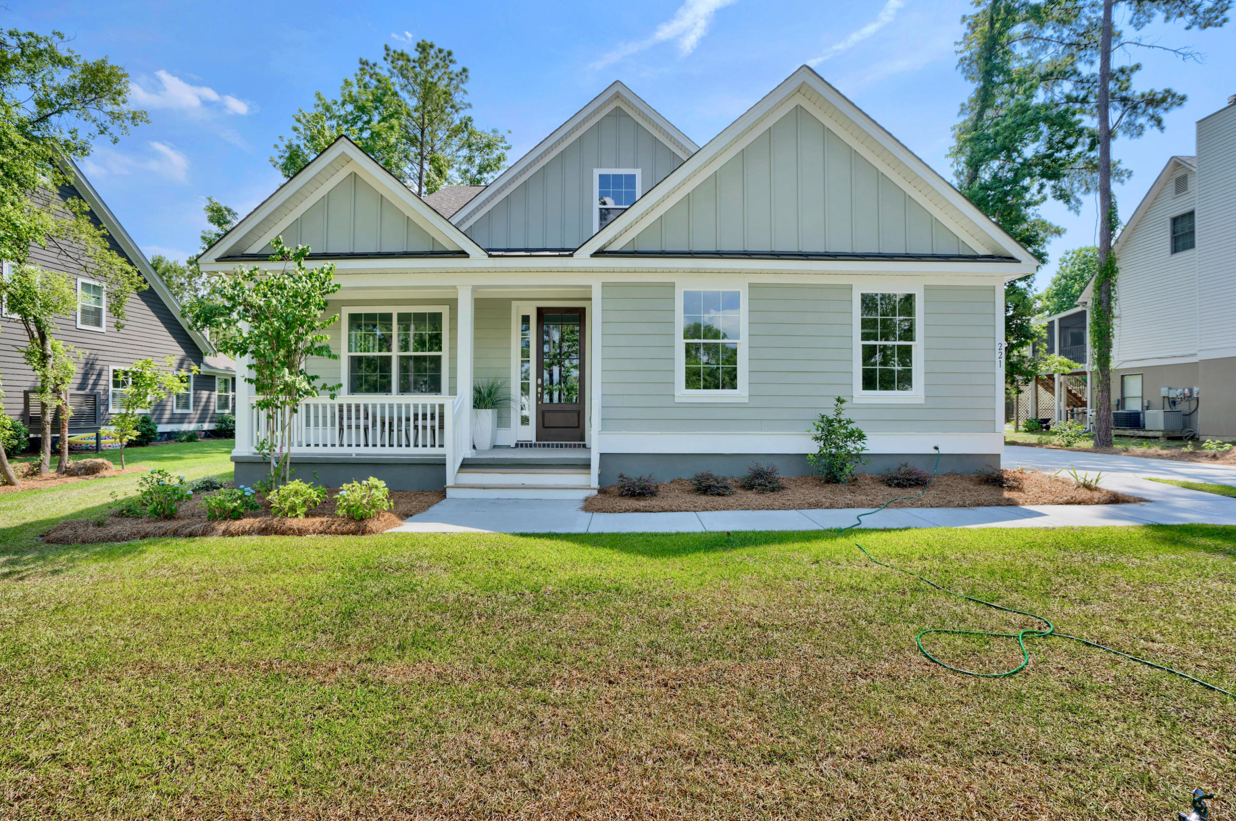 8807 E Fairway Woods Circle North Charleston, SC 29420
