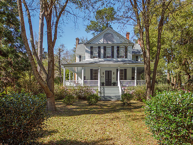 420 W Carolina Avenue Summerville, SC 29483