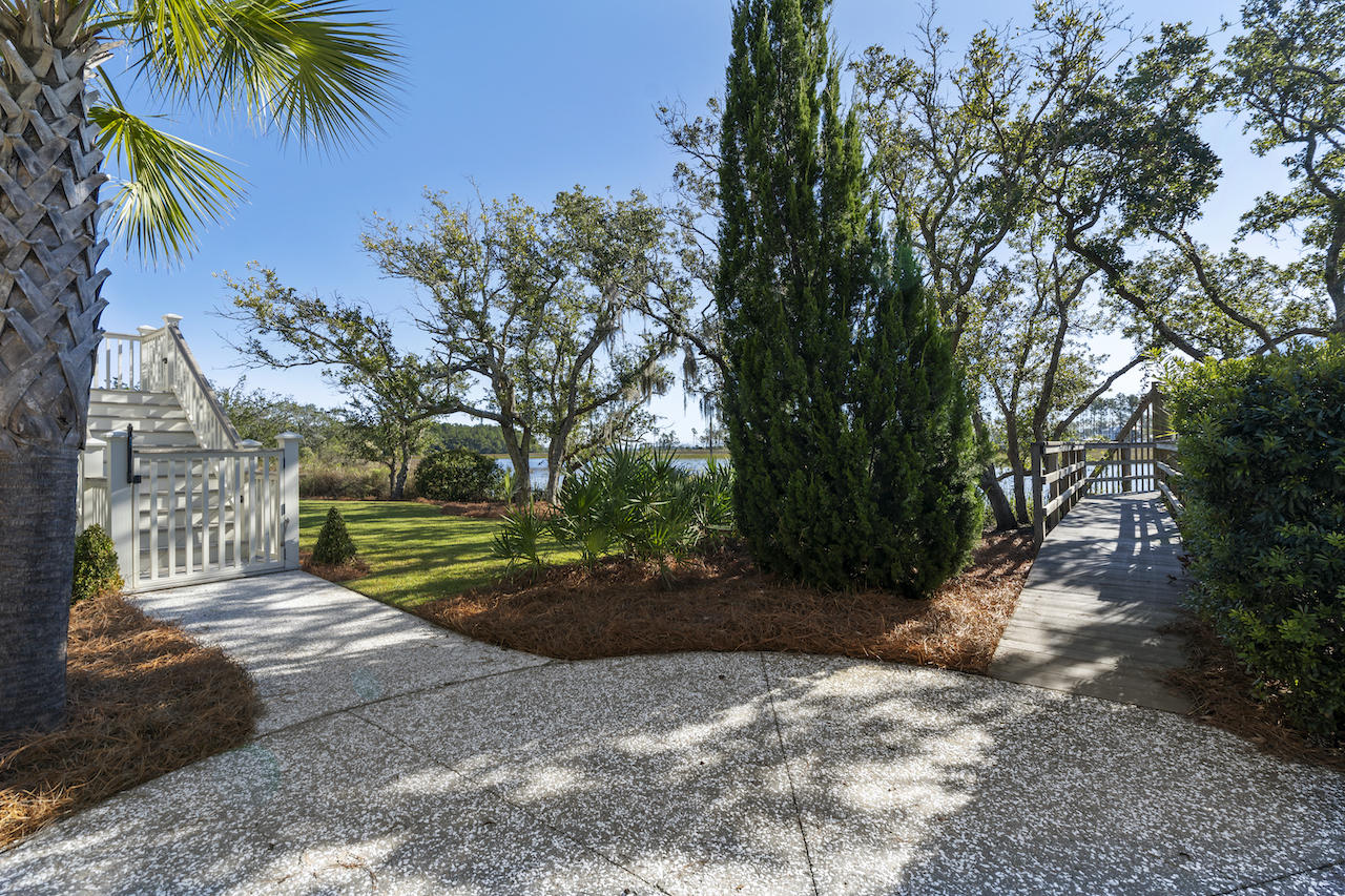 206 Creek Back Street Charleston, SC 29492