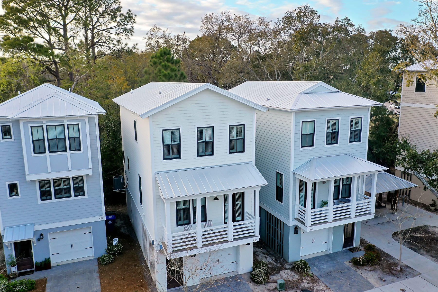 Sullivans Pointe Homes For Sale - 964 Key Colony, Mount Pleasant, SC - 2