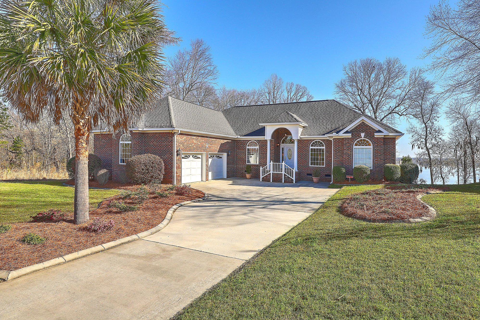 9 Hazzard Court Elloree, SC 29047